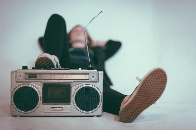 תוכניות הרדיו שאתם חייבים להאזין להן לפחות פעם אחת